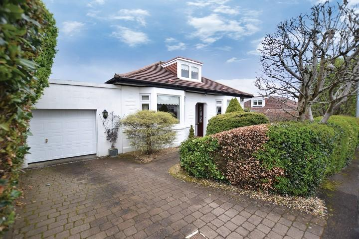 3 Bedrooms Detached Bungalow for sale in 2 Hillneuk Avenue, Bearsden, G61 3PY