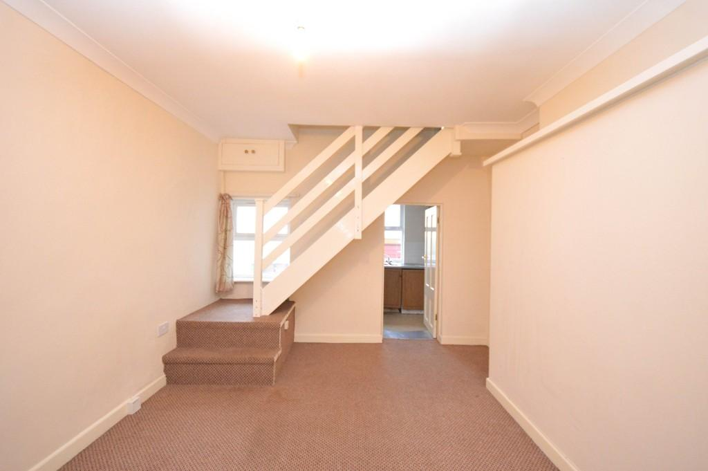2 Bedrooms Terraced House for sale in Brynffynon Rd, Y Felinheli, North Wales