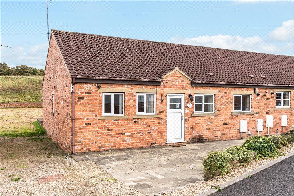 2 Bedrooms Semi Detached Bungalow for sale in Harrogate Road, Knaresborough, North Yorkshire