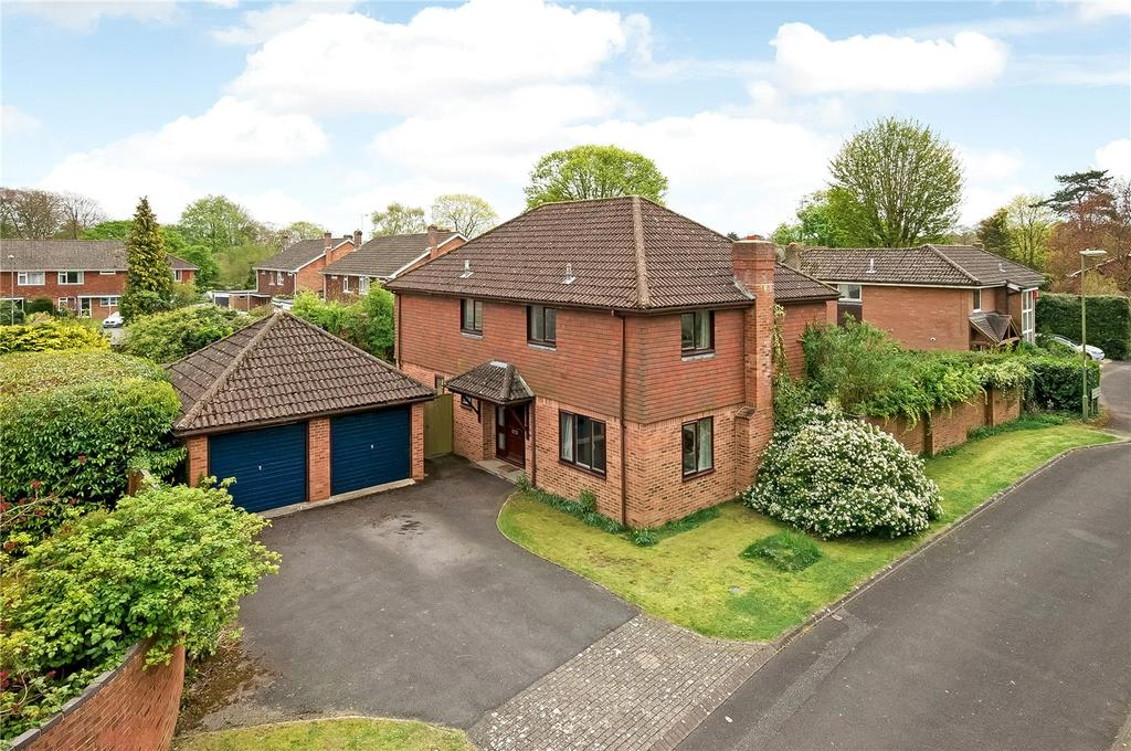 4 Bedrooms Detached House for sale in Lovett Walk, Winchester, Hampshire, SO22