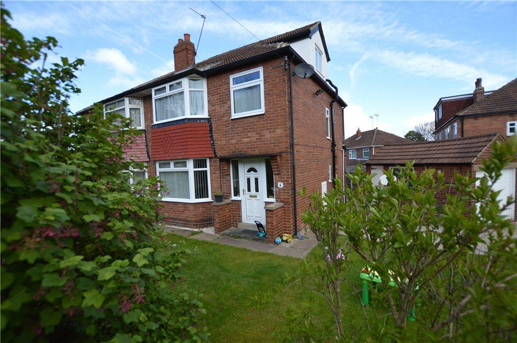 4 Bedrooms Semi Detached House for sale in Baronsway, Leeds, West Yorkshire