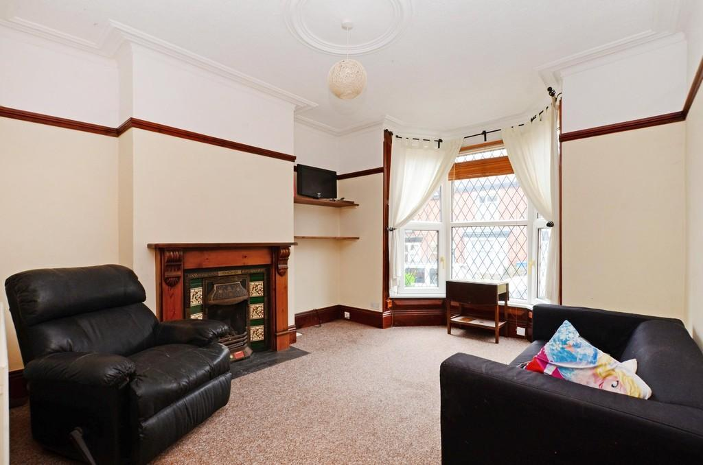 3 Bedrooms Terraced House for sale in Everton Road, Hunters Bar, Sheffield, S11 8RY