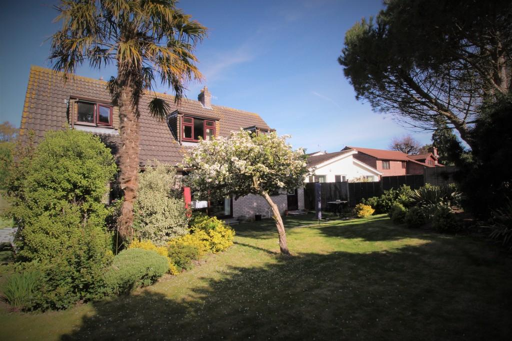 5 Bedrooms Detached House for sale in Backwell, Bristol