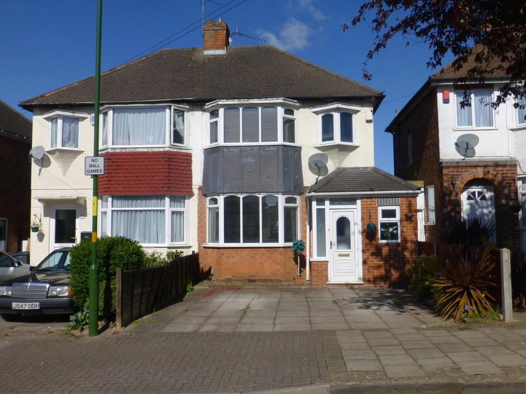 3 Bedrooms Semi Detached House for sale in Derron Avenue, Birmingham