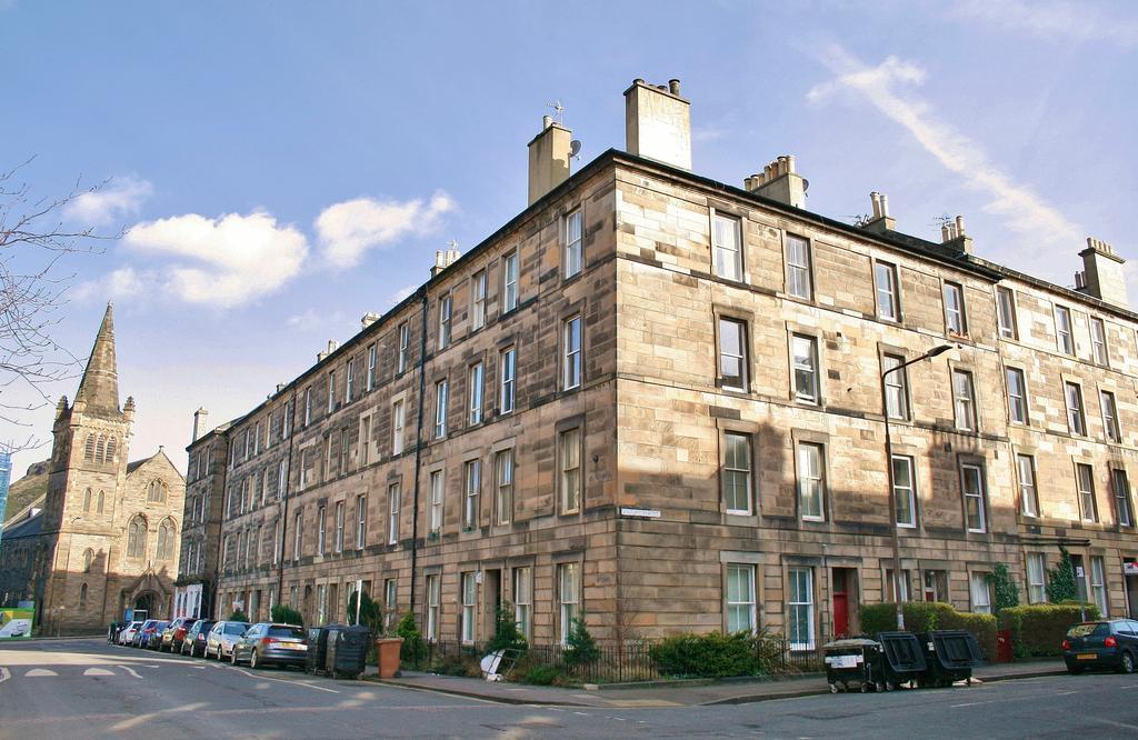 2 Bedrooms Flat for sale in 33 (2F3) Oxford Street, Newington, Edinburgh EH8 9PQ