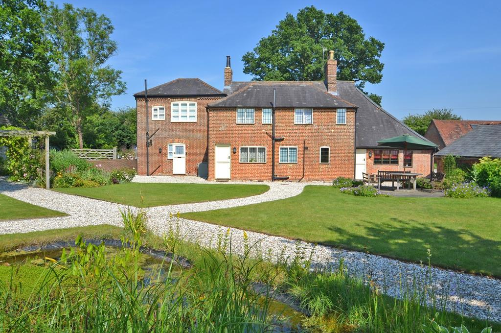 5 Bedrooms Detached House for sale in Thakeham, West Sussex RH20