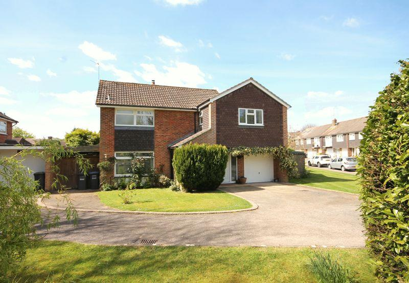 4 Bedrooms Detached House for sale in Hickmans Lane, Lindfield, West Sussex