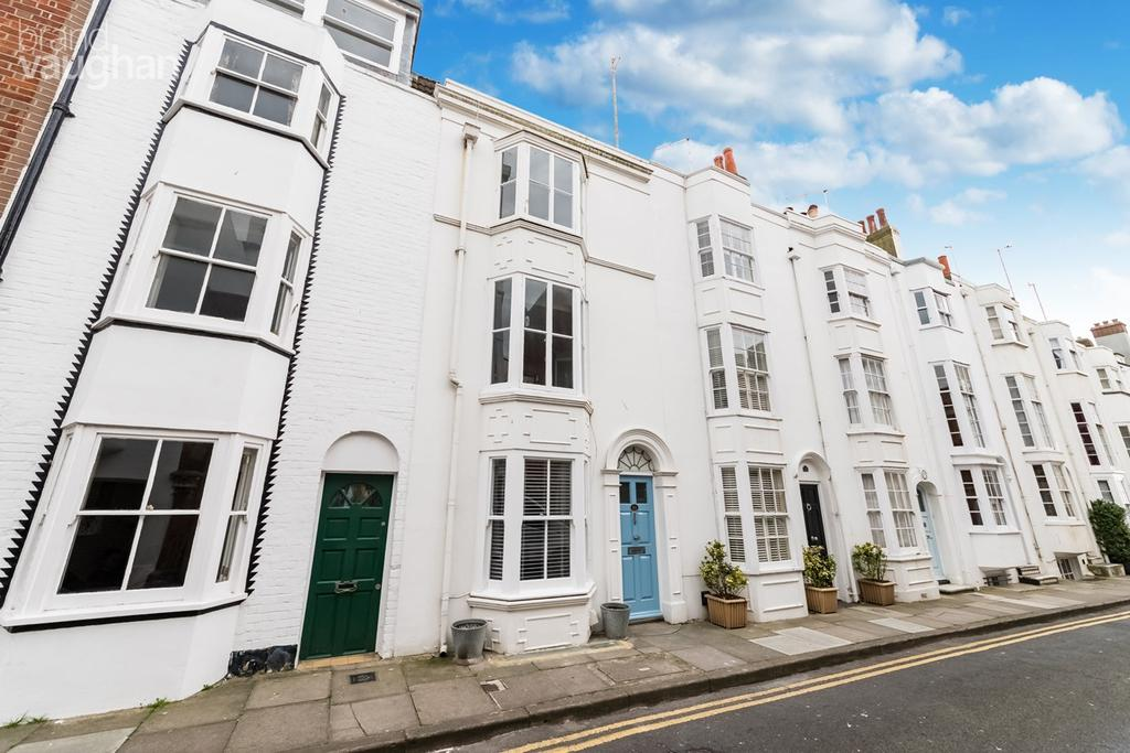 3 Bedrooms Terraced House for sale in Wyndham Street, Brighton, BN2
