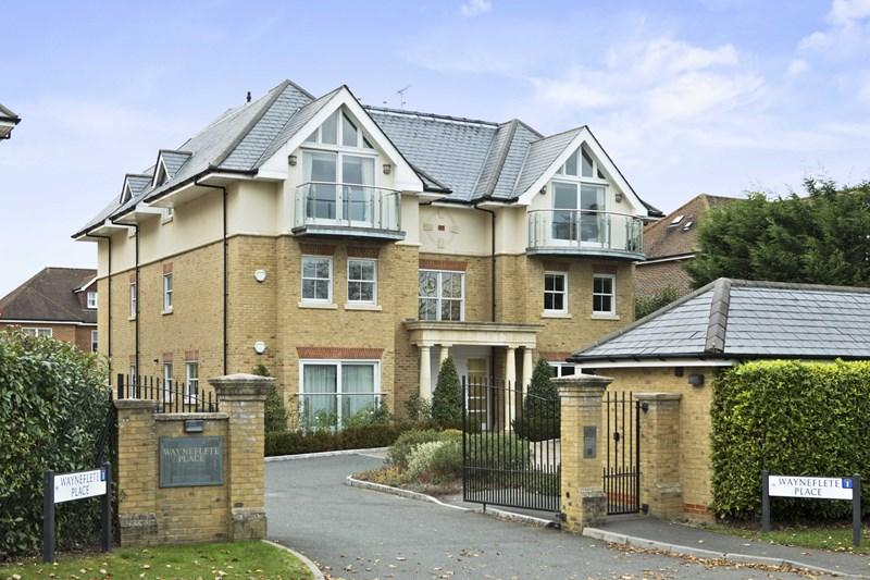 More Lane Esher Properties For Sale