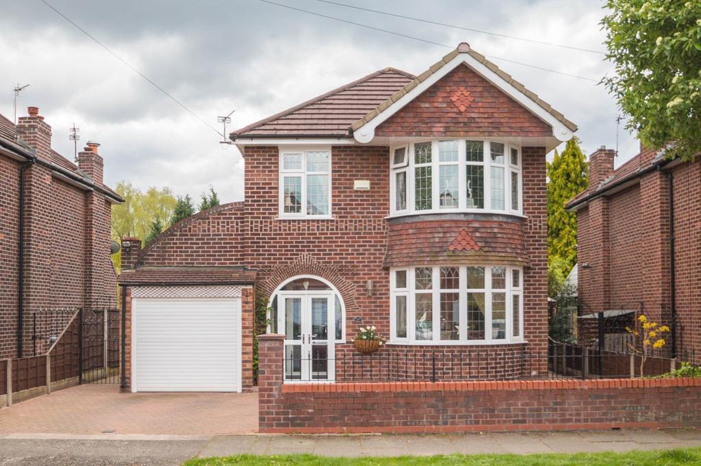 3 Bedrooms Detached House for sale in Grangethorpe Road, Urmston, Manchester, M41