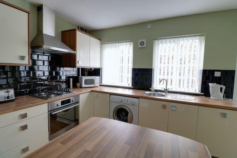 3 Bedrooms Terraced House for sale in Winn Street, Scunthorpe