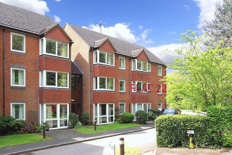 2 Bedrooms Apartment Flat for sale in TETTENHALL, Beechwood Court