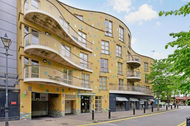 1 Bedroom Apartment Flat for sale in Fulham Island Farm Lane, Fulham, SW6
