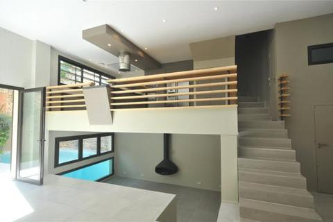 4 bedroom semi-detached house  - House In Privilege Location, Toulouse, Haute Garonne