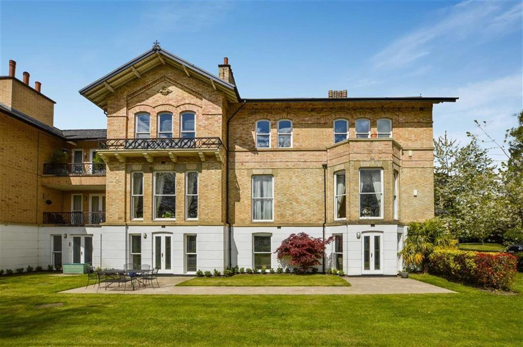 3 Bedrooms Apartment Flat for sale in Langham Road, Bowdon, Cheshire, WA14