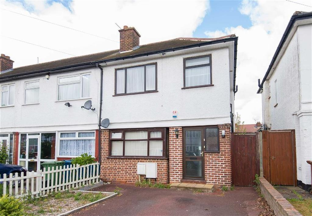 2 Bedrooms Maisonette Flat for sale in Waverley Road, Rayners Lane, Middlesex