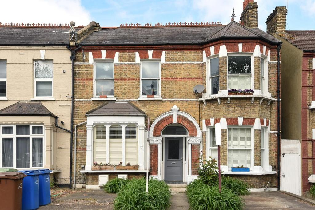 2 Bedrooms Flat for sale in Barry Road, East Dulwich, SE22