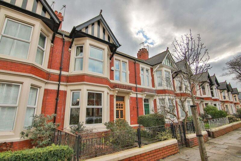 4 Bedrooms Terraced House for sale in Deri Road, Penylan, Cardiff, CF23