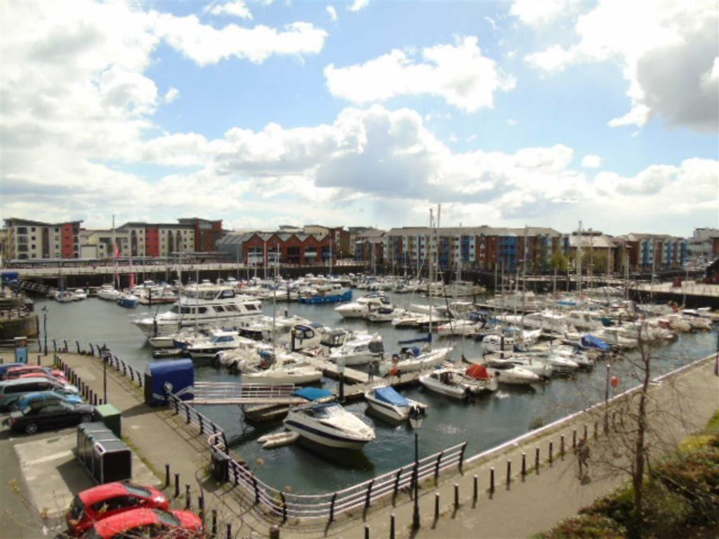2 Bedrooms Apartment Flat for sale in Cork House, Mannheim Quay, Swansea