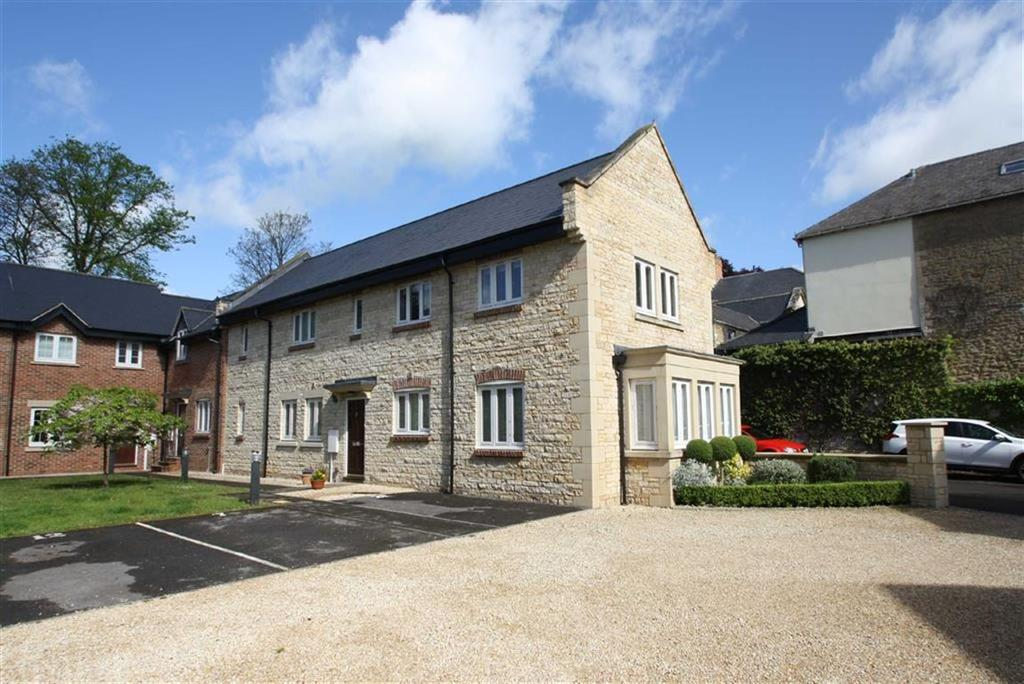 2 Bedrooms Apartment Flat for sale in 22, Brackley House, Market Place, Brackley