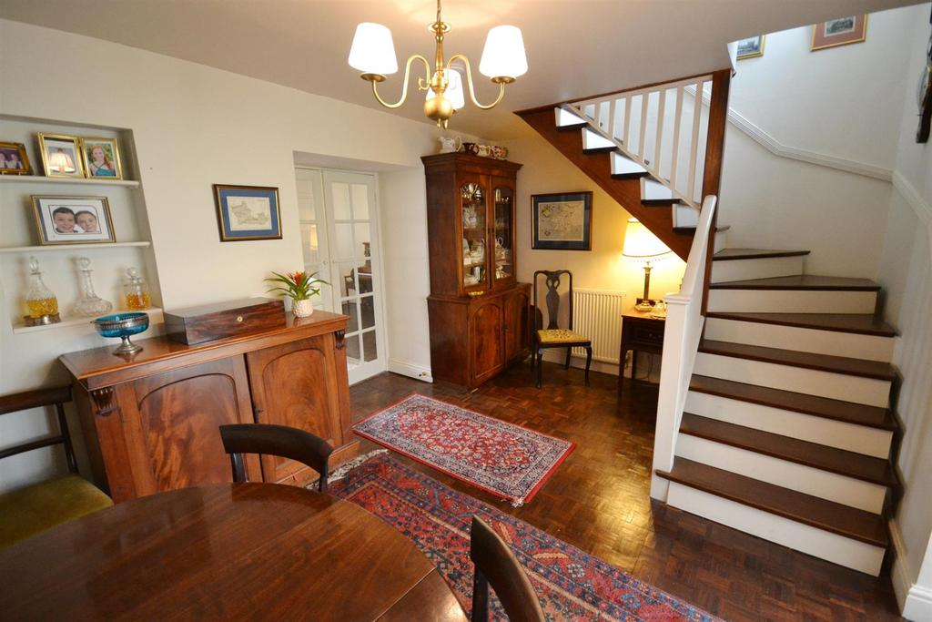 4 Bedrooms Terraced House for sale in East Back, Pembroke