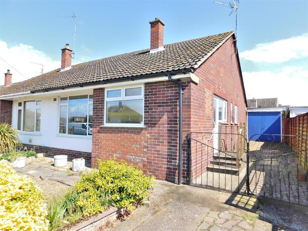 2 Bedrooms Semi Detached Bungalow for sale in Baldock Drive, King's Lynn