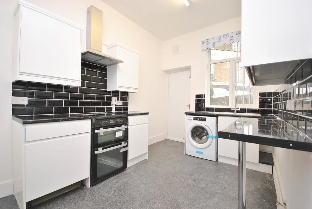 1 Bedroom Flat for sale in Shakespeare Road Herne Hill SE24