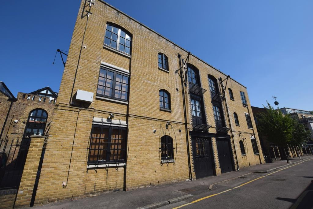 3 Bedrooms Flat for sale in Brunswick Court London Bridge SE1