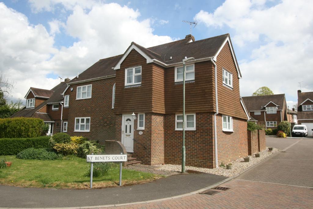 4 Bedrooms Detached House for sale in St Benets Way, Tenterden TN30