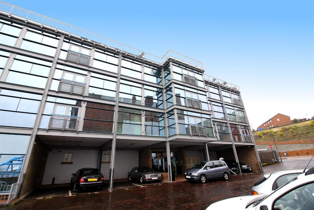 2 Bedrooms Flat for sale in Brewery Bond, Duke Street, North Shields