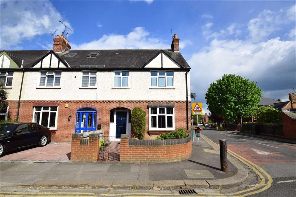 3 Bedrooms Semi Detached House for sale in Wolsey Road, Caversham, Reading