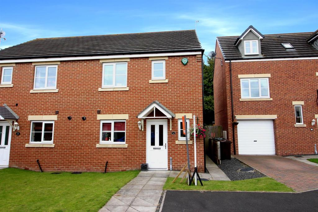 3 Bedrooms Semi Detached House for sale in Mead Court, Forest Hall