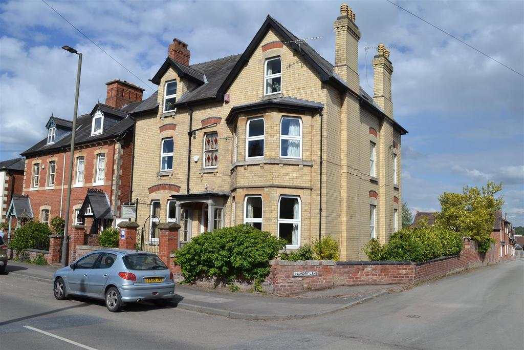 5 Bedrooms Town House for sale in 29 Hereford Road, Leominster