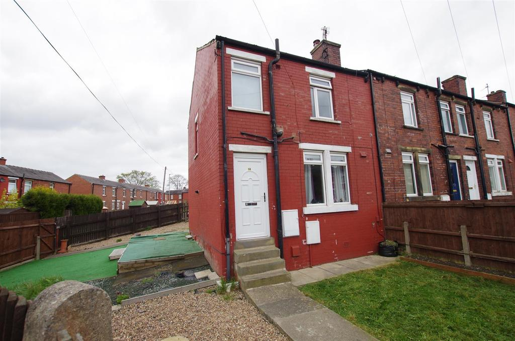 3 Bedrooms End Of Terrace House for sale in Springfield Road, Elland