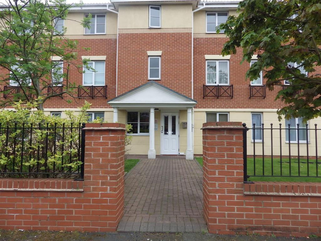 2 Bedrooms Apartment Flat for sale in King Street, Cradley Heath
