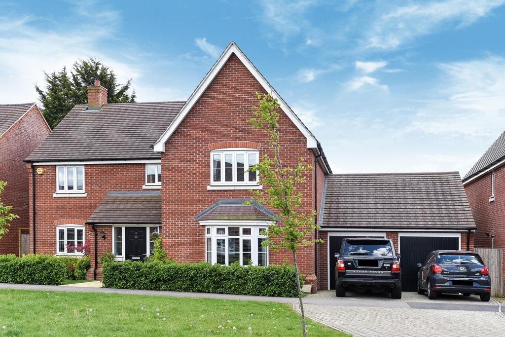 5 Bedrooms Detached House for sale in Waratah Drive, Chislehurst, BR7