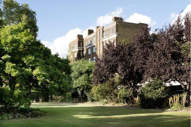 2 Bedrooms Flat for sale in Paultons House, Paultons Square, Chelsea, London