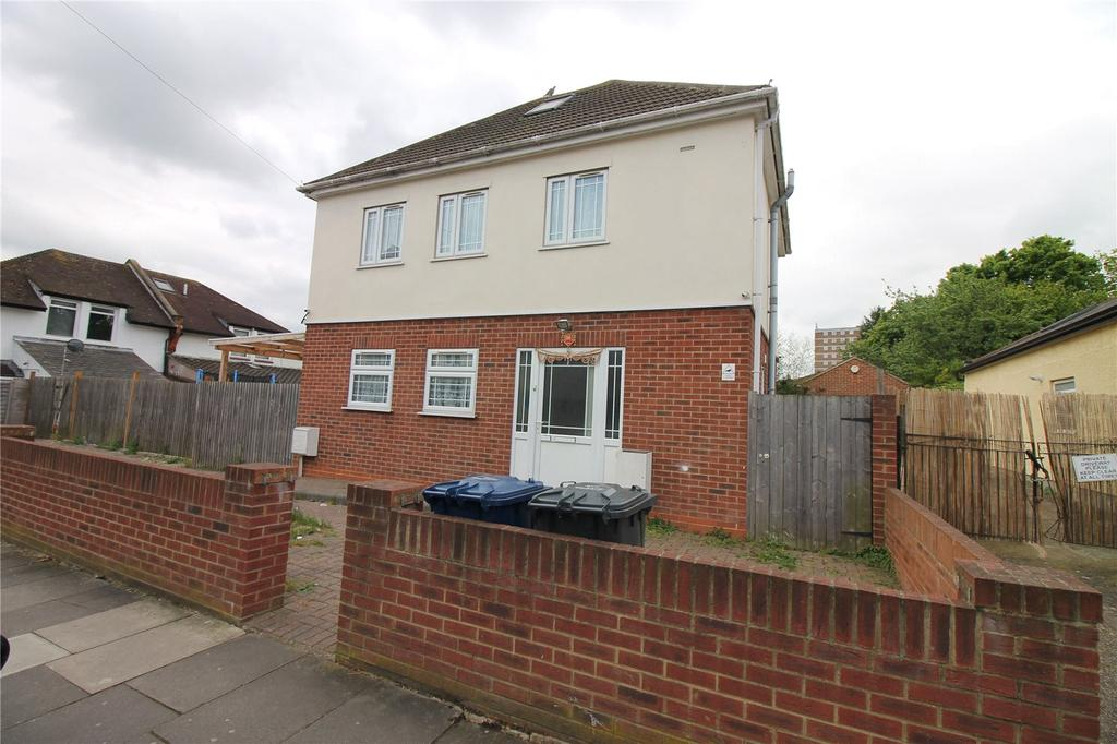 3 Bedrooms Detached House for sale in Kings Avenue, Greenford, UB6