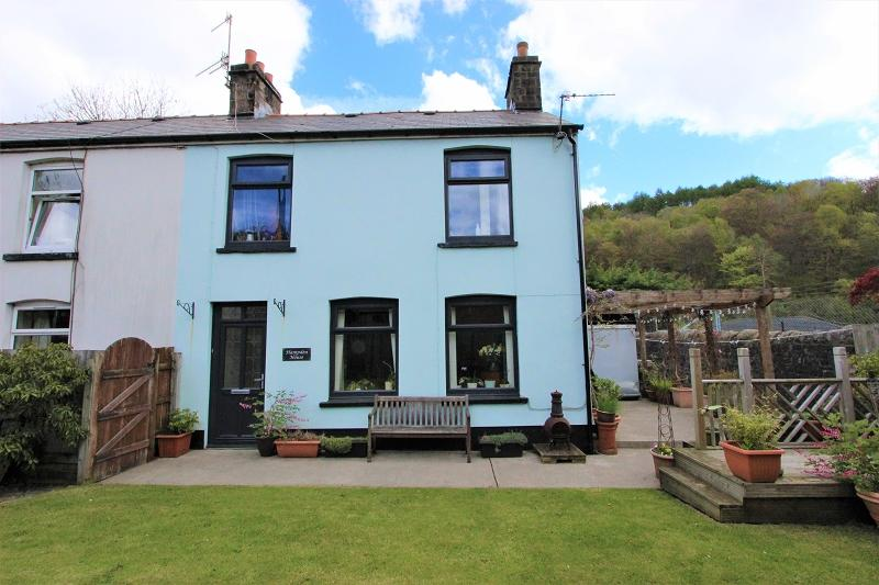 3 Bedrooms End Of Terrace House for sale in Broad Street, Abersychan, Pontypool, Torfaen. NP4 7BQ