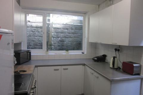 5 bedroom terraced house to rent - Hanover Street, Swansea. SA1 6BE