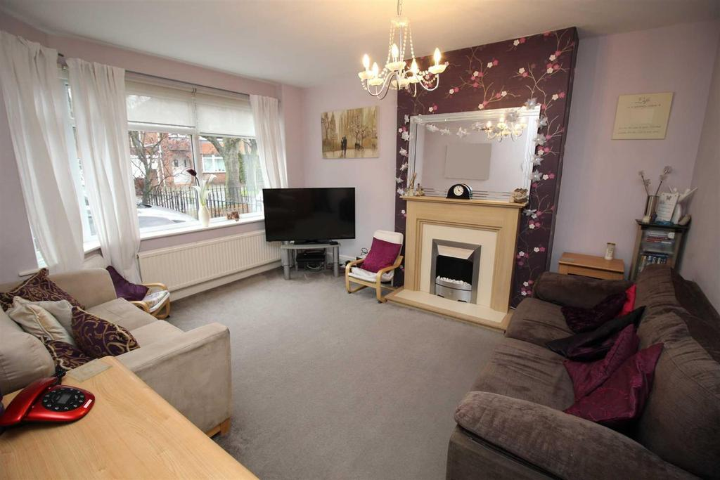 3 Bedrooms Semi Detached House for sale in Maywood Close, Kenton, Newcastle Upon Tyne