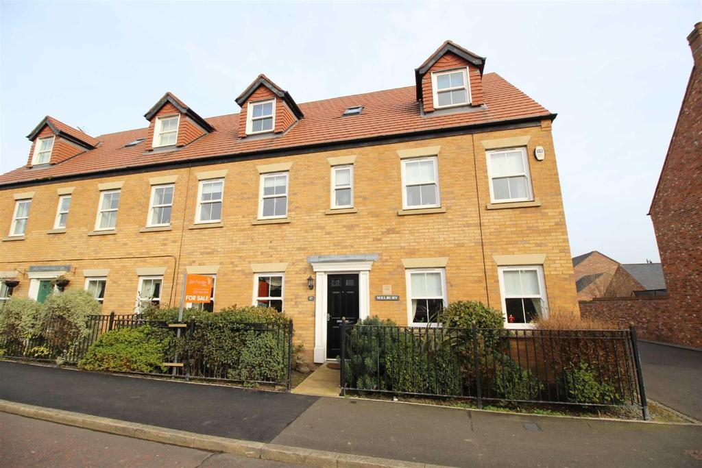 6 Bedrooms Town House for sale in Netherwitton Way, Great Park, Newcastle Upon Tyne