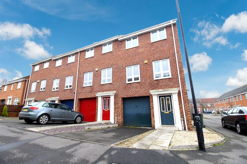 4 Bedrooms Town House for sale in Ashover Road, Newcastle Upon Tyne