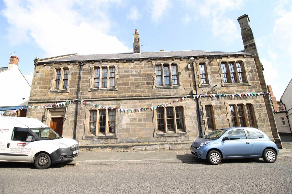3 Bedrooms Flat for sale in High Street, Belford