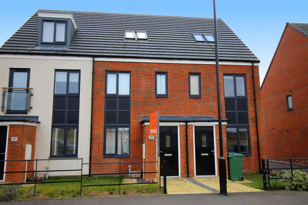 3 Bedrooms Town House for sale in Roseden Way, East Moor Village, Newcastle Upon Tyne