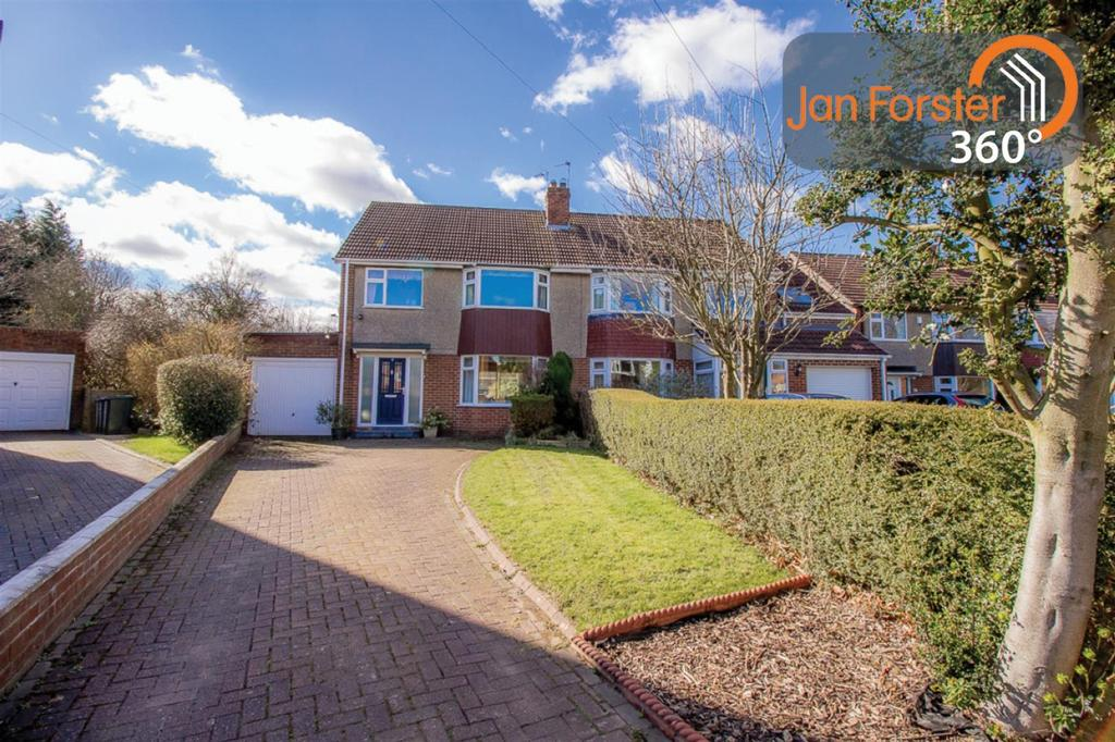 3 Bedrooms Semi Detached House for sale in The Oval, Newcastle Upon Tyne