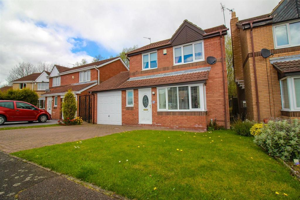 3 Bedrooms Detached House for sale in Oulton Close, Meadow Rise, Newcastle Upon Tyne