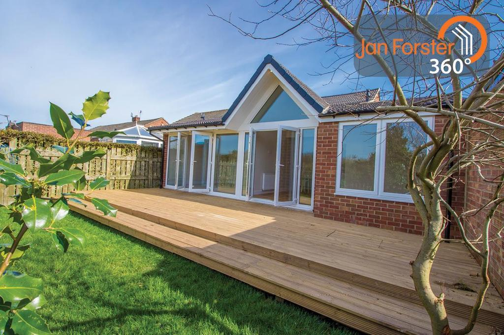 3 Bedrooms Semi Detached Bungalow for sale in Rayleigh Drive, Wideopen, Newcastle Upon Tyne