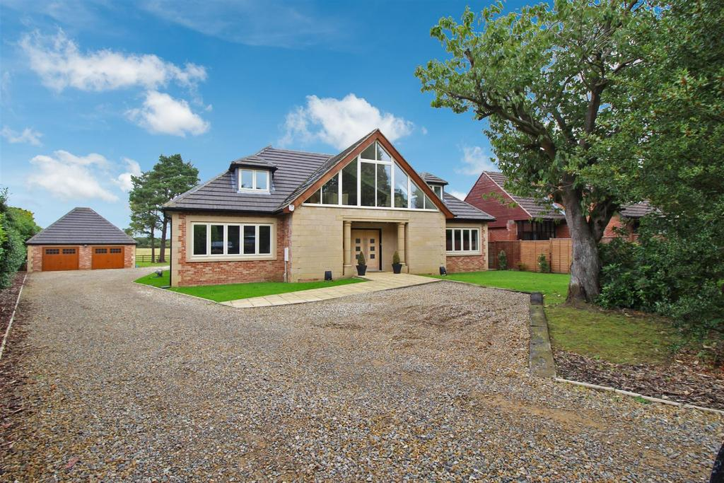 6 Bedrooms Detached House for sale in The Avenue, Medburn, Nr Ponteland