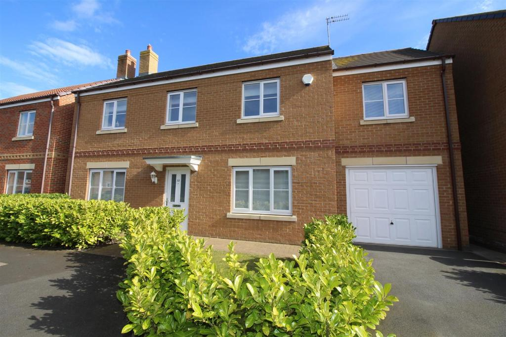 5 Bedrooms Detached House for sale in Earlsmeadow, Earsdon View, Shiremoor